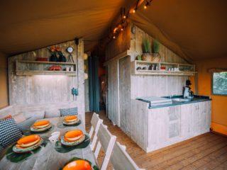 Safari tent Woody keuken