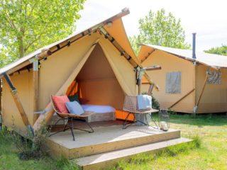 YALA_Sparkle_exterior_landscape - safaritenten en glamping lodges