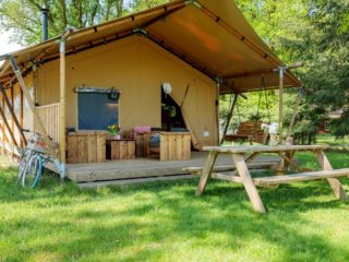 YALA_Safari_Tent_Woody_exterior_at_Holidaypark_DePier_Netherlands