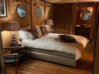 YALA_Aurora_interior_bedroom_and_bathroom - Safarizelte und Glamping Lodges