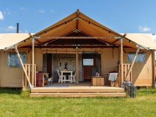 YALA_Dreamer49_exterior_front_view_landscape - Safarizelte Glamping Lodges