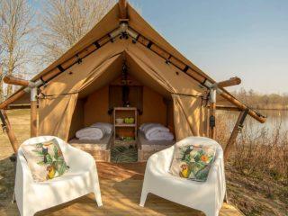 YALA_Sparkle_exterior_in_autum_landscape - Safarizelte & Glamping Lodges