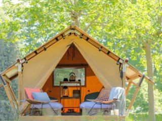 YALA_Sparkle_exterior_with_terras_landscape - Safarizelte & Glamping Lodges