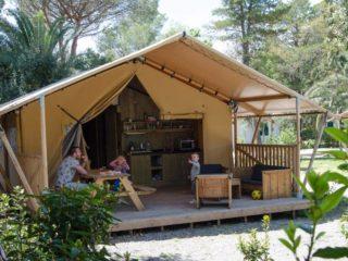 YALA_Sunshine_at_the_campsite - Safarizelte & Glamping Lodges