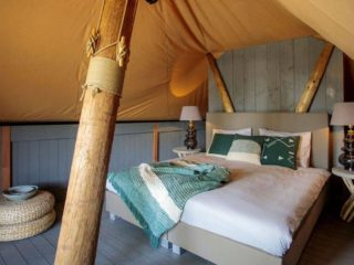 YALA_Supernova_bedroom_landscape - Safarizelte und Glamping Lodges