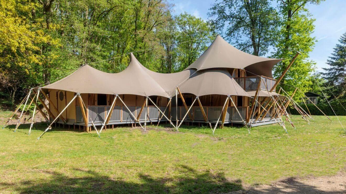 YALA_Supernova_exterior_landscape - Safarizelte und Glamping Lodges
