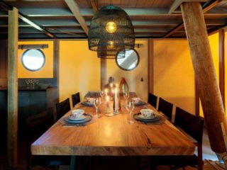 YALA_Supernova_interior_diningtable_landscape - Safarizelte und Glamping Lodges