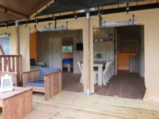 Luxury Lodge entrée