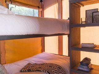 YALA_Twilight_safari_tent_bedroom-with-bunkbed - Tentes safar e glamping lodges