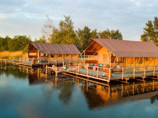 YALA_Glamping_Lodges_at_the_waterside_landscape