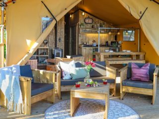 YALA_Safari_Tent_Woody_porch_landscape